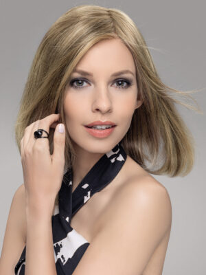 VARIO TOP PIECE by ELLEN WILLE   A fine hand tied base that allows you to change the parting in any direction