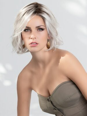Esprit   The impeccable ear to ear extended lace front offers you confidence in a seamless, natural hairline.