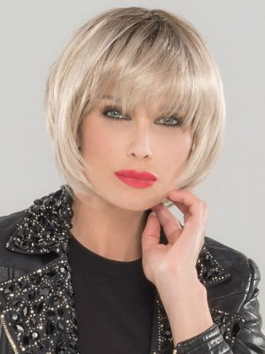 BLUES by Ellen Wille in LIGHT-CHAMPAGNE-ROOTED | The perfect chin length bob with plenty of movement