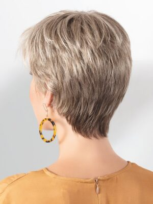 Aura by Ellen Wille | The neckline hugs the nape perfectly