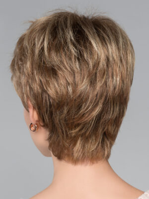 Tapered neckline and extra comfort. So comfortable you'll forget you're wearing a wig.
