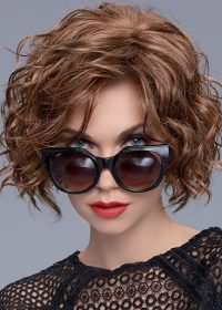 TURN | With a lace front to give you the most natural hairline finish and allowing the fringe to be swept to the side.