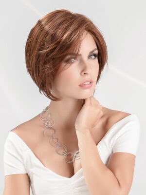 Devine | The impeccable ear to ear extended lace front offers a seamless and natural hairline offering total confidence