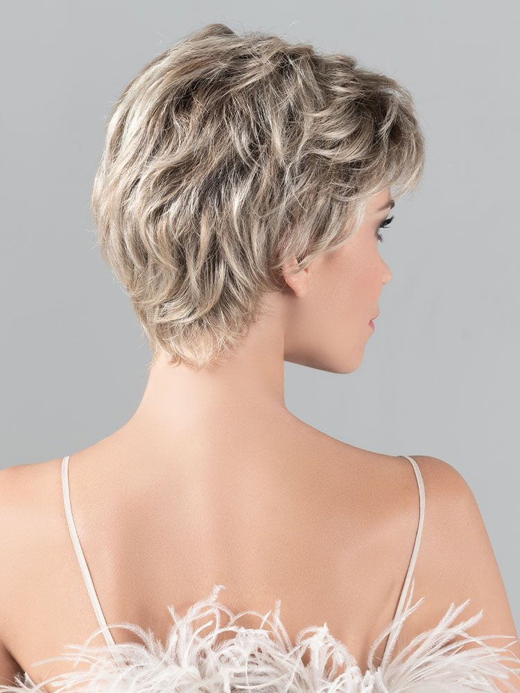 Gala | A perfect cut nape for a snugly and secure fit