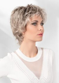 Vanity | The beautifully made lace front offers an absolutely natural look and feel